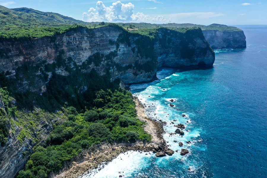 Steep cliffs on the southwest coast of Nusa Penida, Bali