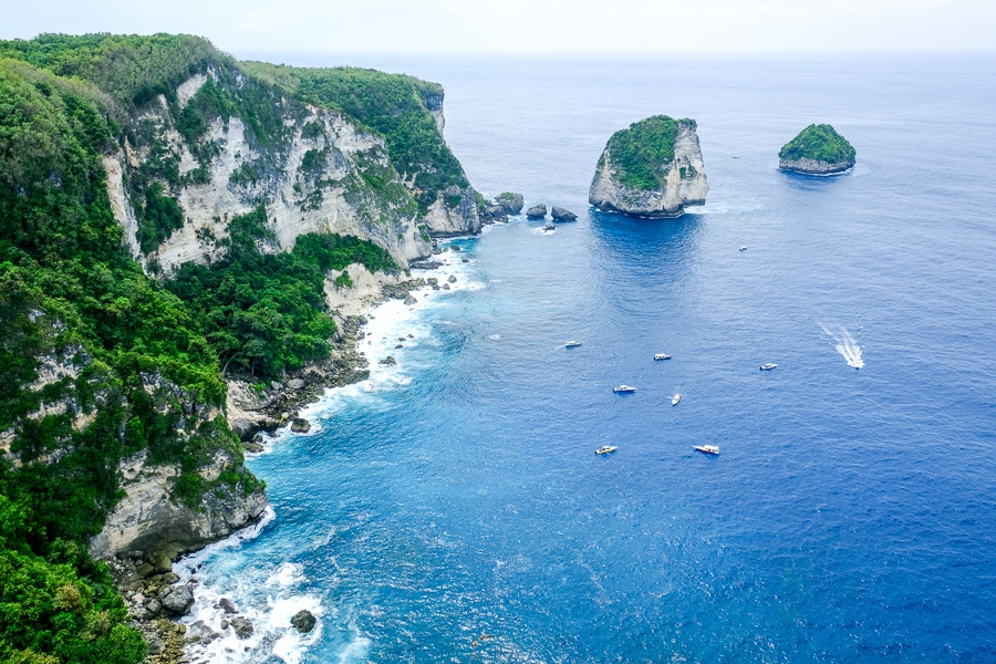 Manta Point cliffs in Nusa Penida, Bali