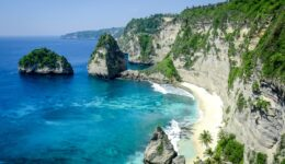 Diamond Beach cliffs in Nusa Penida, Bali