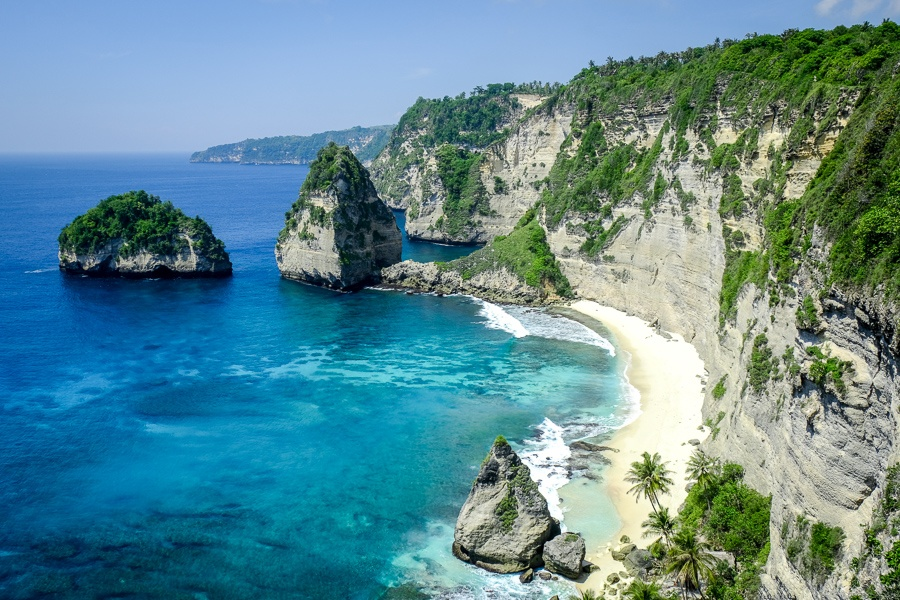 Diamond Beach viewpoint from above in Nusa Penida, Bali