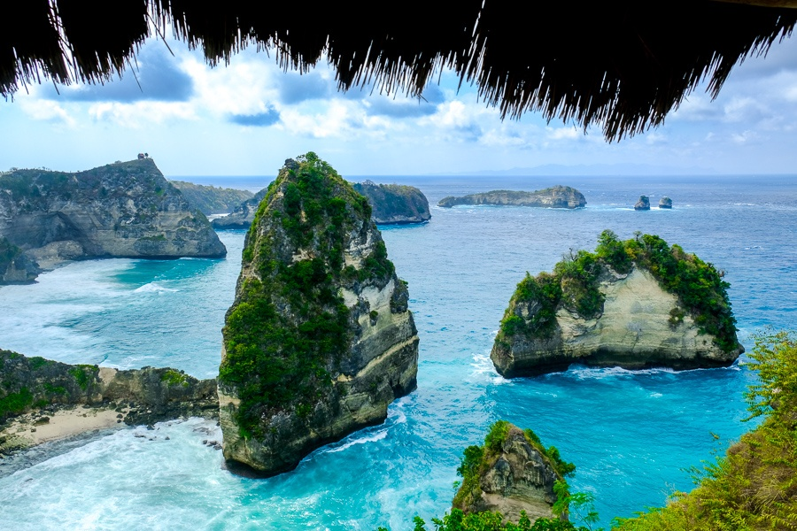 Thatch view from the Rumah Pohon Molenteng treehouse in Nusa Penida, Bali