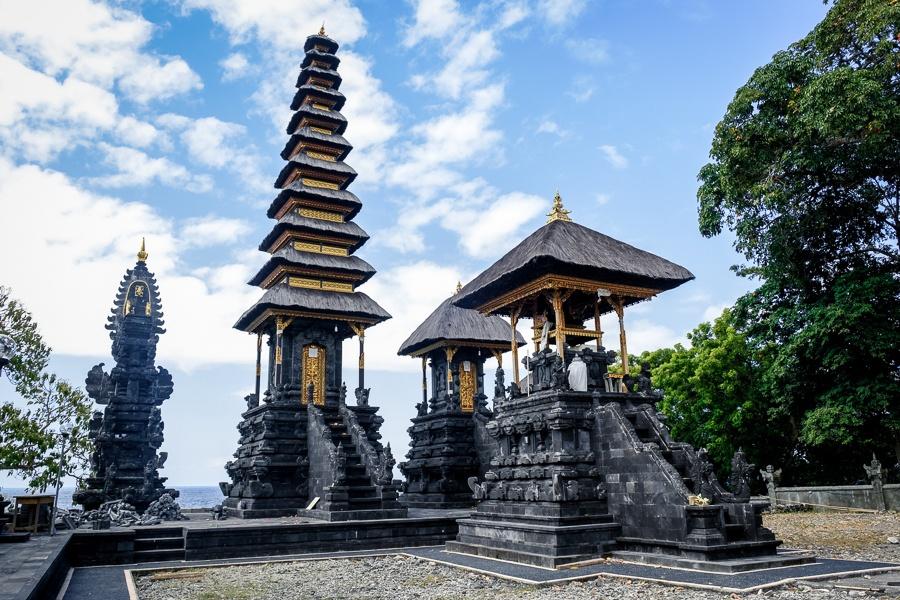 Pura Batu Mas Kuning temple in Nusa Penida, Bali