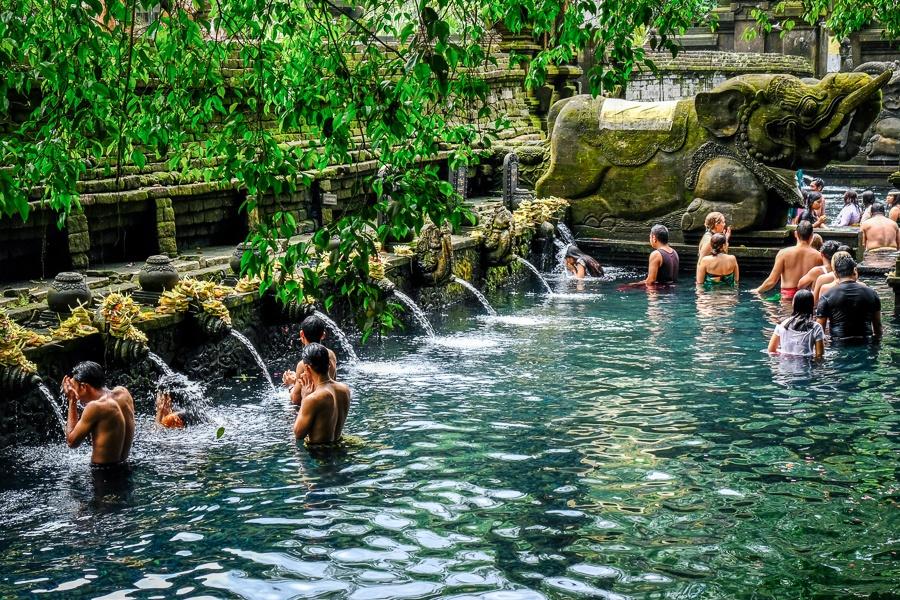 Pura Tirta Empul water ritual