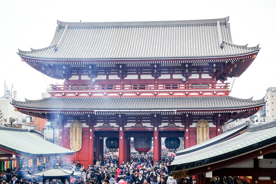 Giant gate at Sensoji Temple in Asakusa, Tokyo, Japan