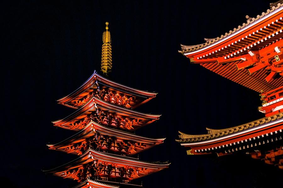 Night lighting at Sensoji Temple in Asakusa, Tokyo, Japan