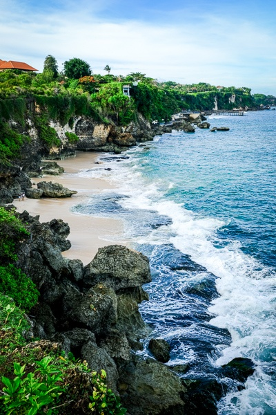 Tegal Wangi Beach cliffs in Bali