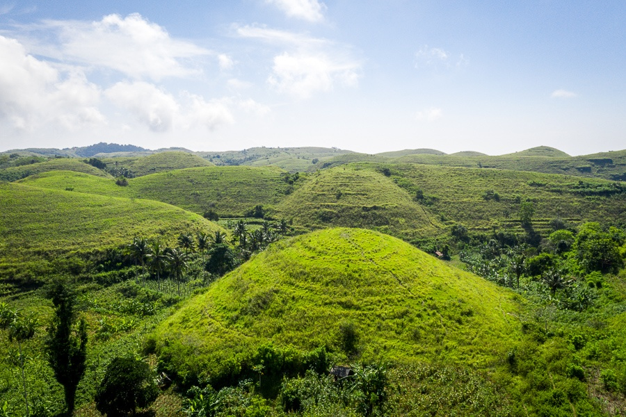 Green Teletubbies Hill in Nusa Penida, Bali