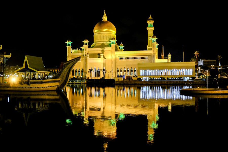 Night lighting at the Sultan Omar Ali Saifuddien Mosque in Brunei