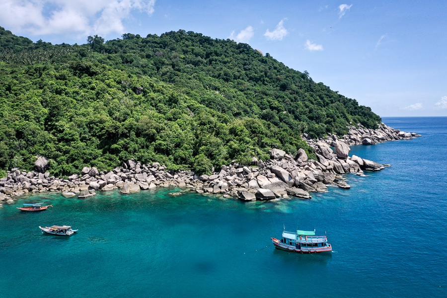 Ao Hin Wong Bay Beach drone picture In Koh Tao Thailand