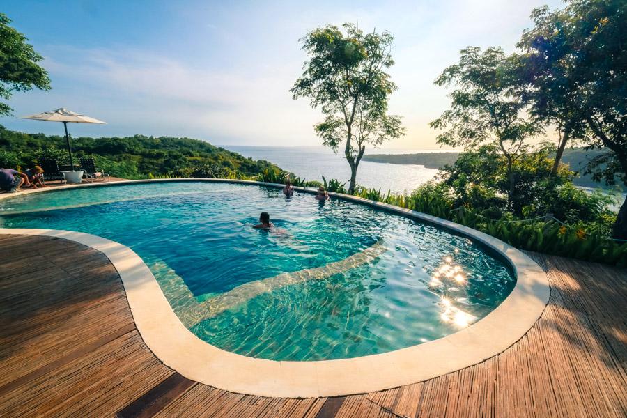 Amok Sunset Pool Nusa Penida