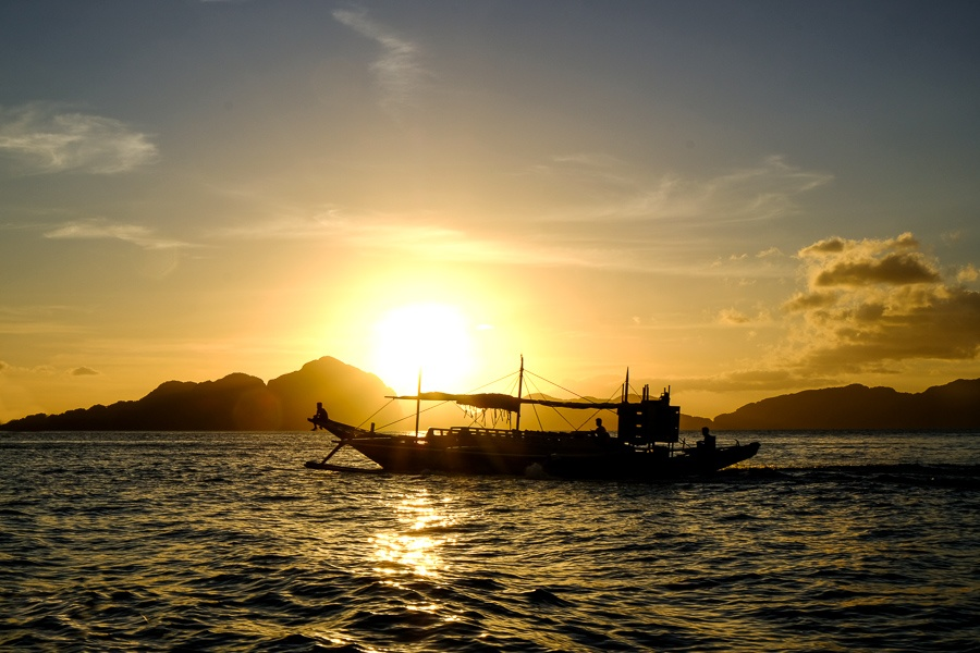 Boat in the sunset at El Nido