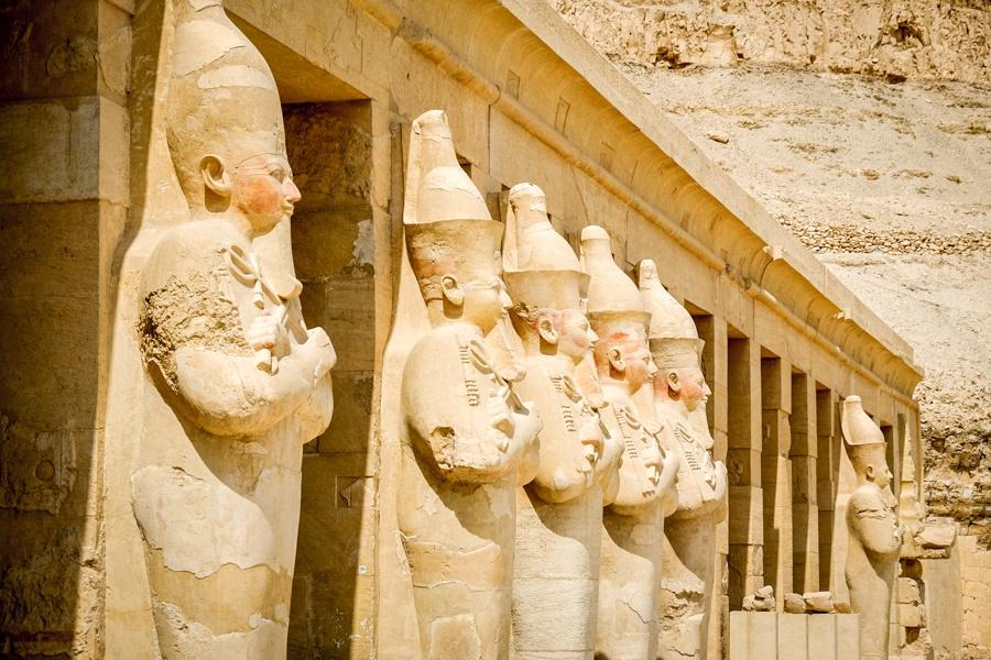 Statues At Queen Hatshepsut Temple Mortuary Temple Of Hatshepsut In Egypt