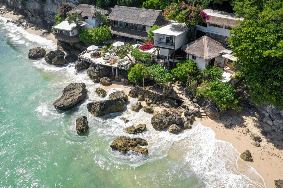 Pemutih Beach Things To Do In Uluwatu Bali