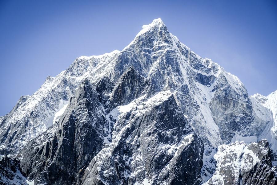 Snowy peak on the EBC Trek in Nepal