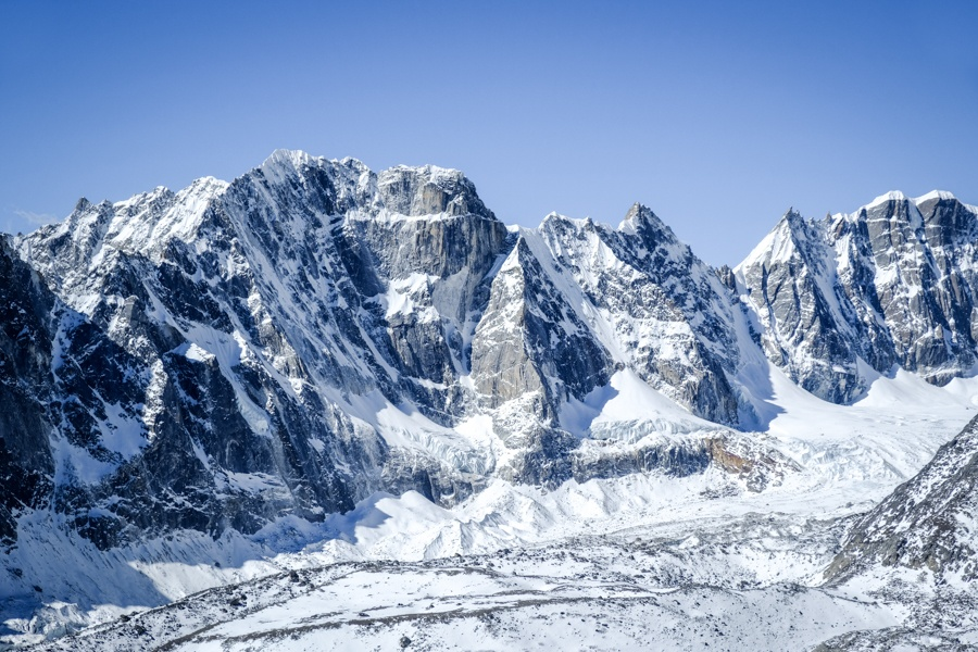 Snowy mountains near Everest Base Camp in Nepal