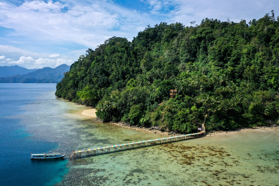 Pulau Koko viewpoint drone picture in Sulawesi