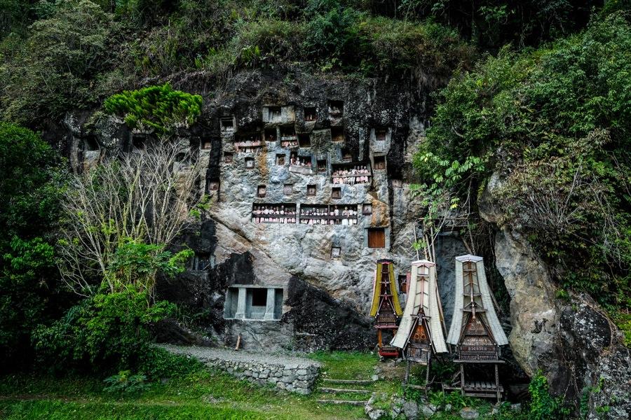 Lemo graves in Tana Toraja Indonesia