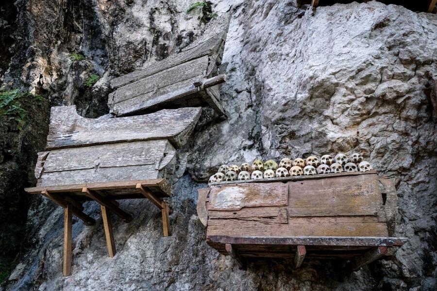 Coffins at Kete Kesu