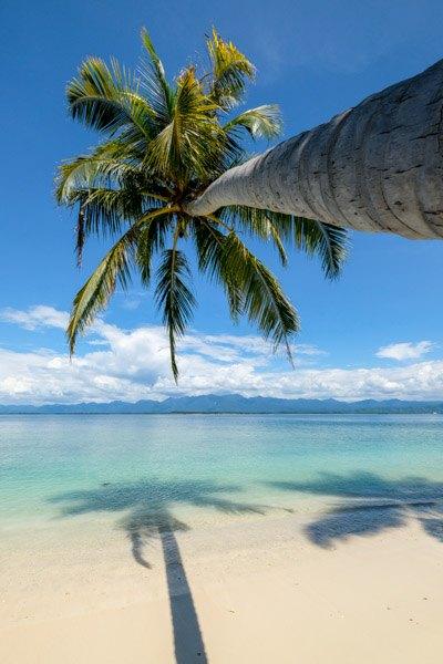 Pulau Karang Barus Sumatra Indonesia Island Beach
