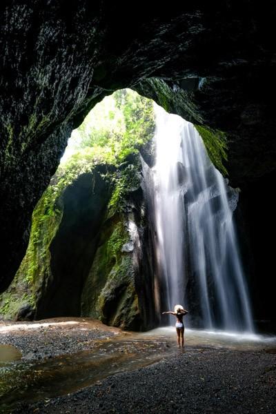 Goa Raja Waterfall in Bali
