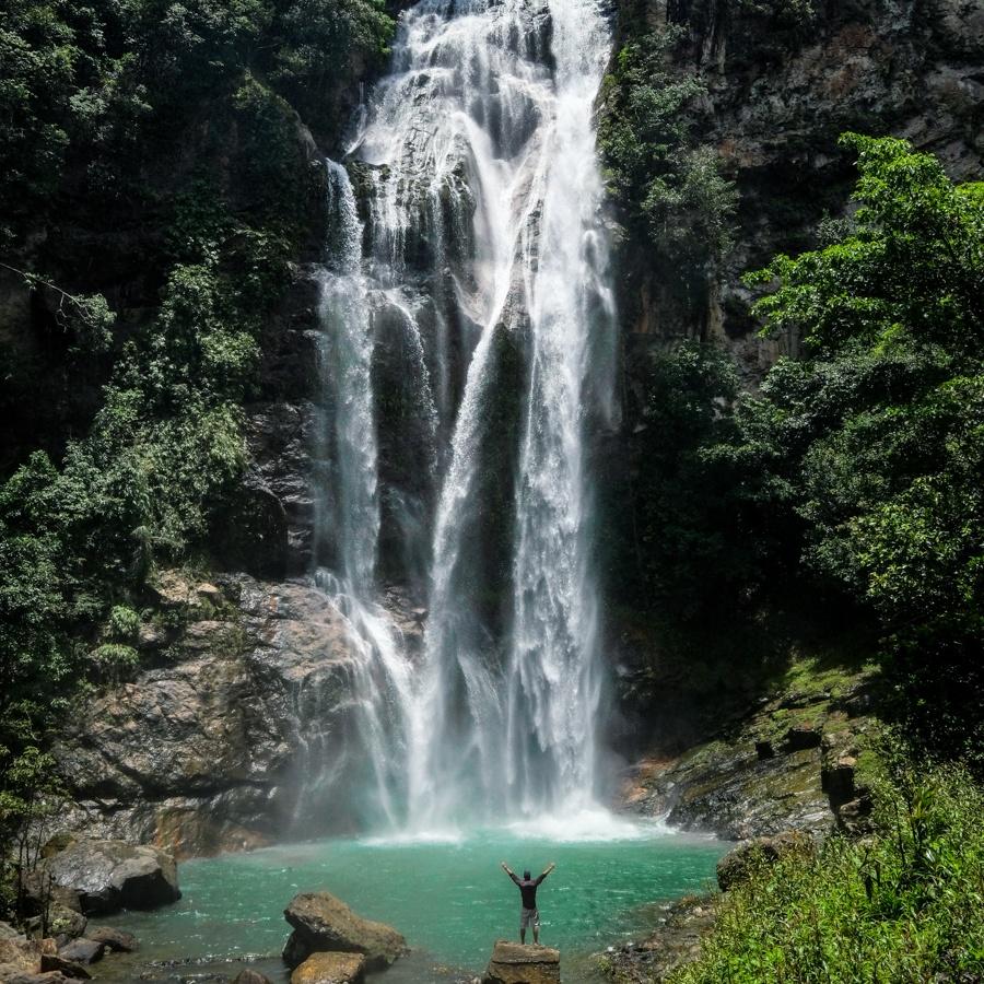 Cunca Rami Flores Falls