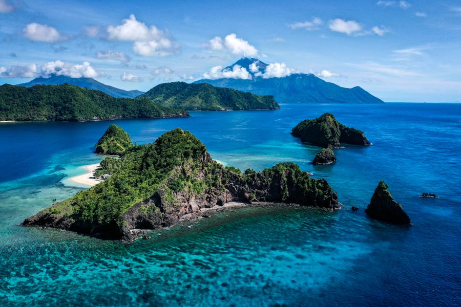 Pulau Mahoro Island Siau Indonesia Drone