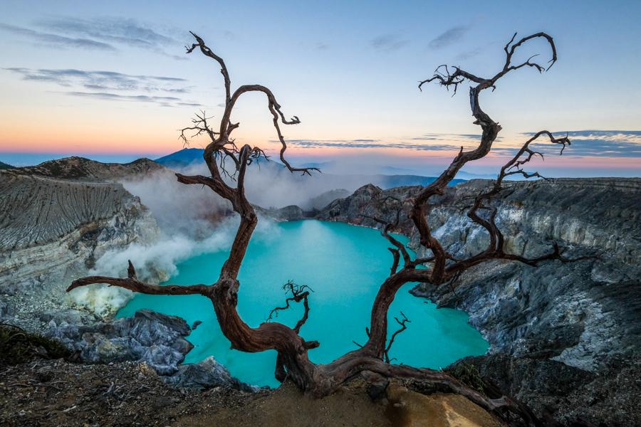 Kawah Ijen Volcano Mount Ijen Crater Lake Blue Fire Banyuwangi Indonesia